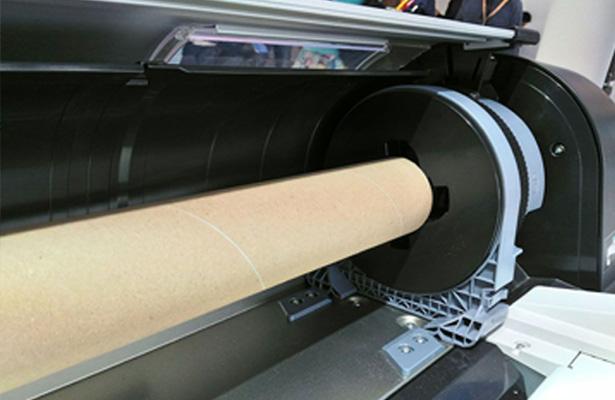 Epson SureColor SC-P10000. Загрузка бумаги