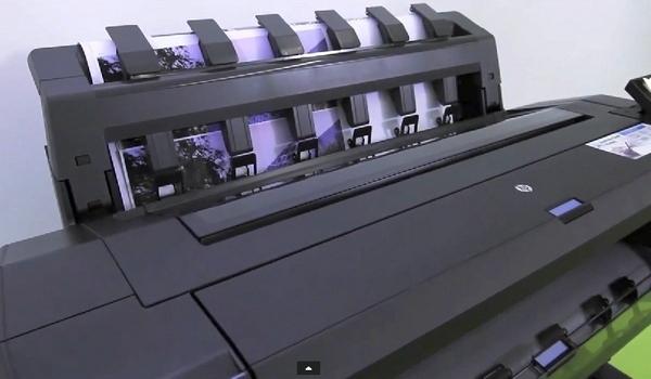 Выбор плоттера CAD/GIS для печати больших объемов. Автоукладчик HP T1530